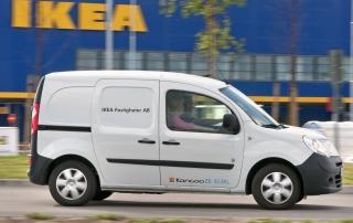 Eldrivna Renault Kangoo Z.E. på IKEA Foto: Stefan Nilsson, ph: 46703399111 Cop: Bildbyrån SYD, mail: bilder@mac.com