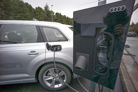 wSN Audi Q7 e-tron 10