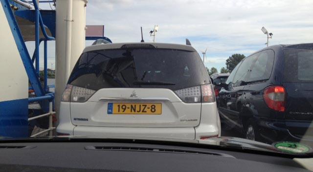 Även en elbil kan behöva ta färjan ibland. Denna gången dock på grund av trafikproblem.