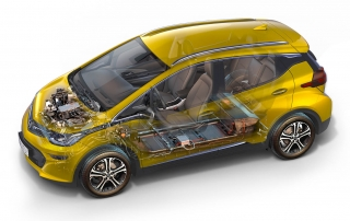 Compact star: The new Opel Ampera-e offers space for up to five people and a trunk volume of 381 liters.
