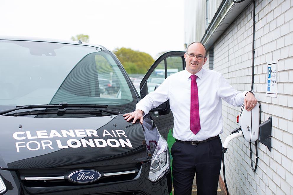 Mark Harvey, ansvarig när det gäller Fords eldrivna transportbilar.