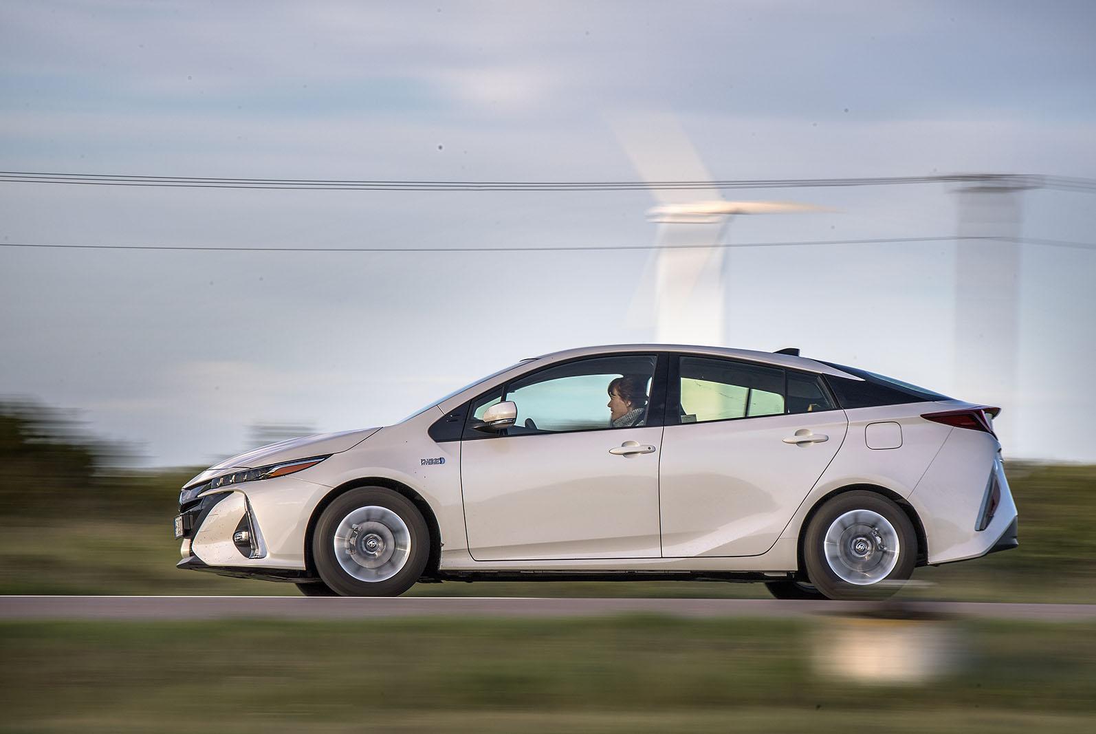 Toyota Prius laddhybrid är först ut i Toyotas satsning på laddhybrider. En satsning som kommer att breddas under 2020-talet.