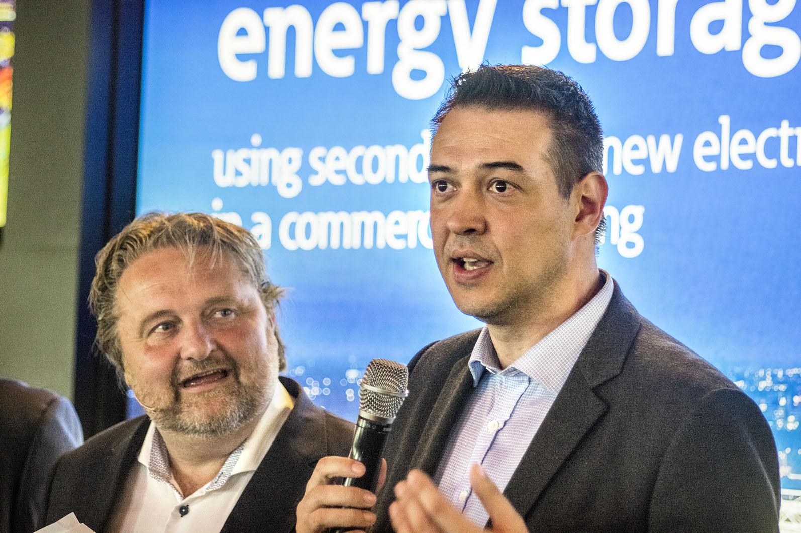 – Vi ger batterierna två liv, säger Fransisco Carranza