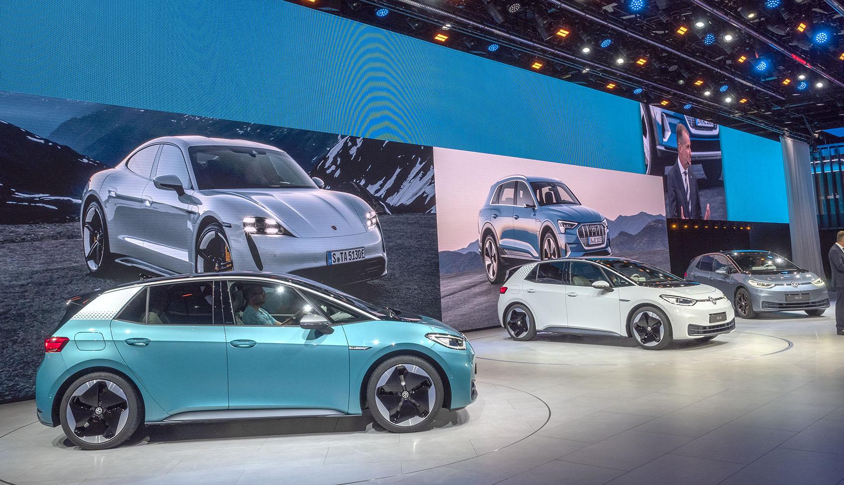 VW ID.3 lanserad nu på bilmässan och det i skuggan av Volkswagen-gruppens elbilar som Porsche Taycan och Audi e-tron.
