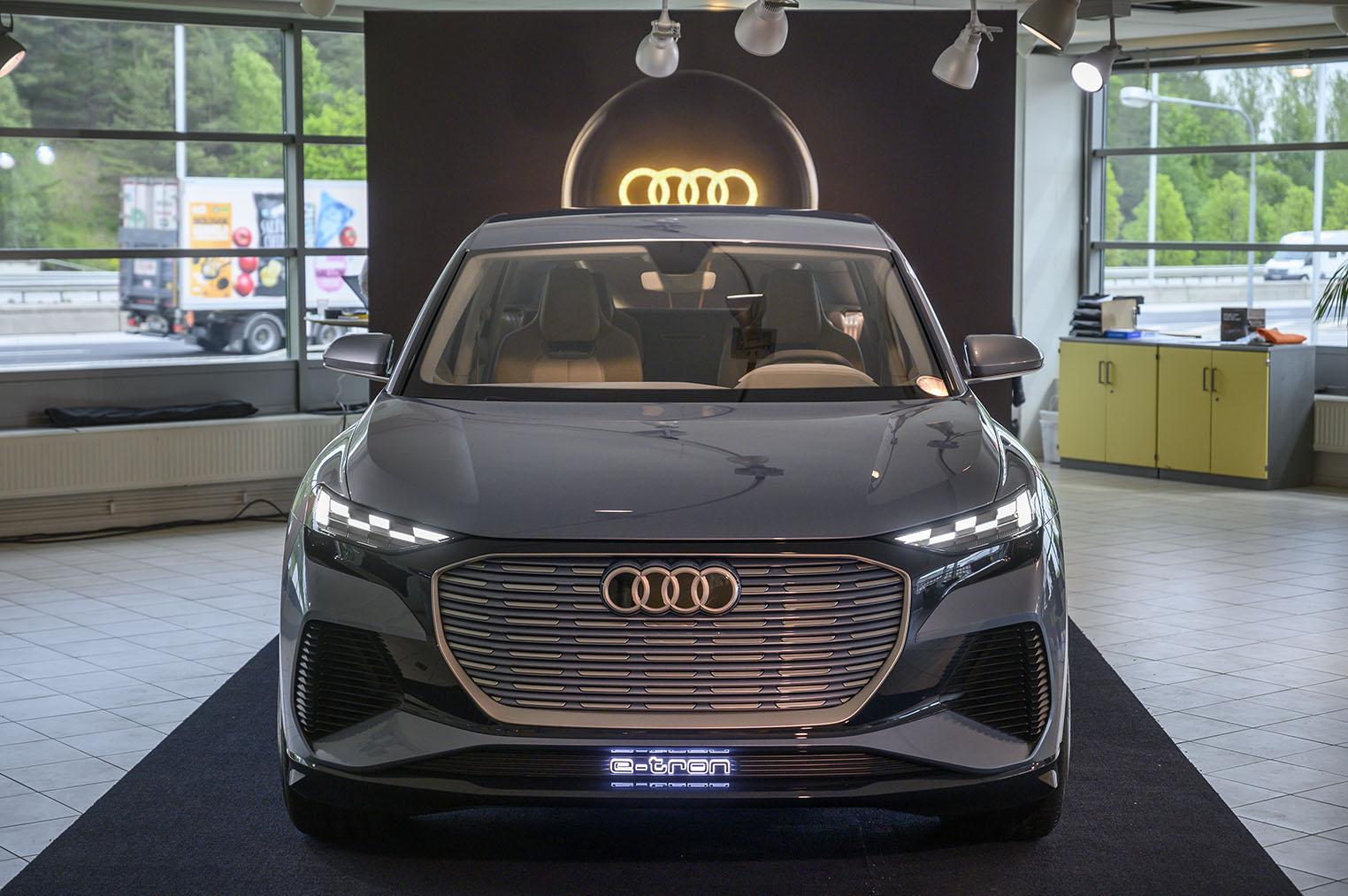 smSN Audi Q4 e-tron 5
