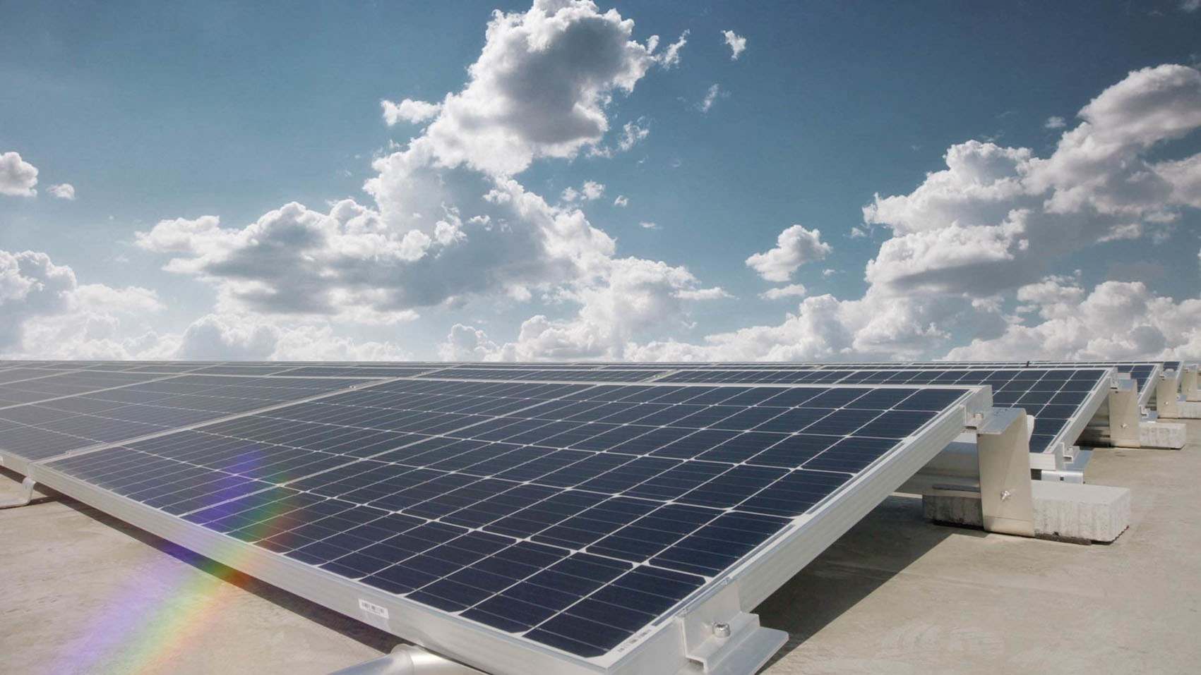 Audi Hungaria: Photovoltaic system on the roofs of the two logis